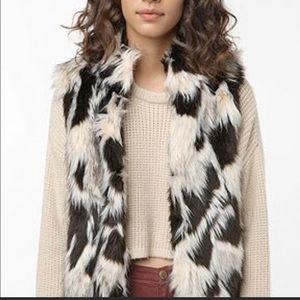 Faux Fur Black White Sleeveless Vest Sz Small